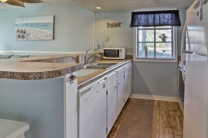 Fully equipped, this kitchen has everything you need to prepare meals.