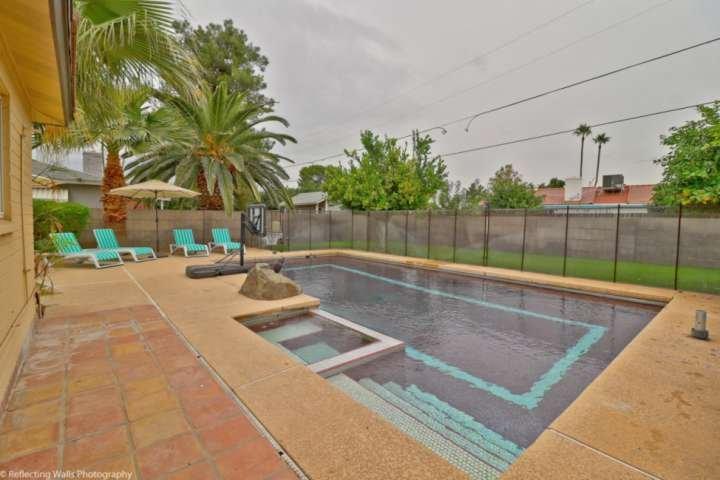 Genießen und im privaten Pool entspannen!