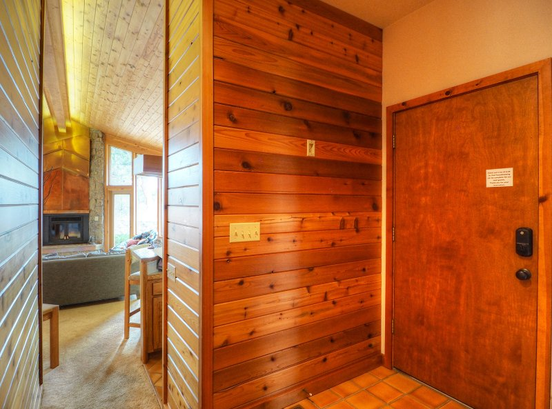 Stutzhaven in the Mountains -- EV #3436, vacation rental in Drake