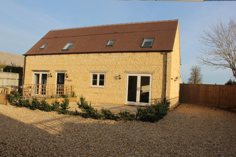 Lavender Barn East, Bourton on the Water, great location rental with internet., casa vacanza a The Slaughters