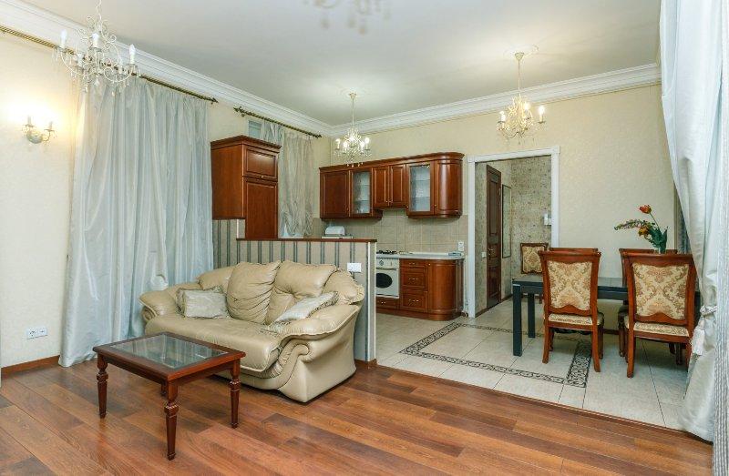 3000 - Two bedrooms. 18.Velyka Vasylkivska. Centre, vacation rental in Kyiv (Kiev)