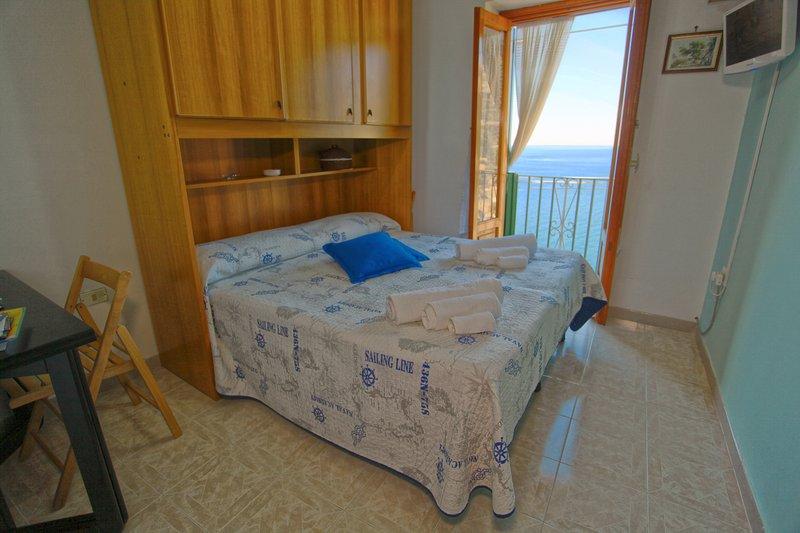 Dependance Rosetta, sea view bedroom +  free wifi, location de vacances à Minori