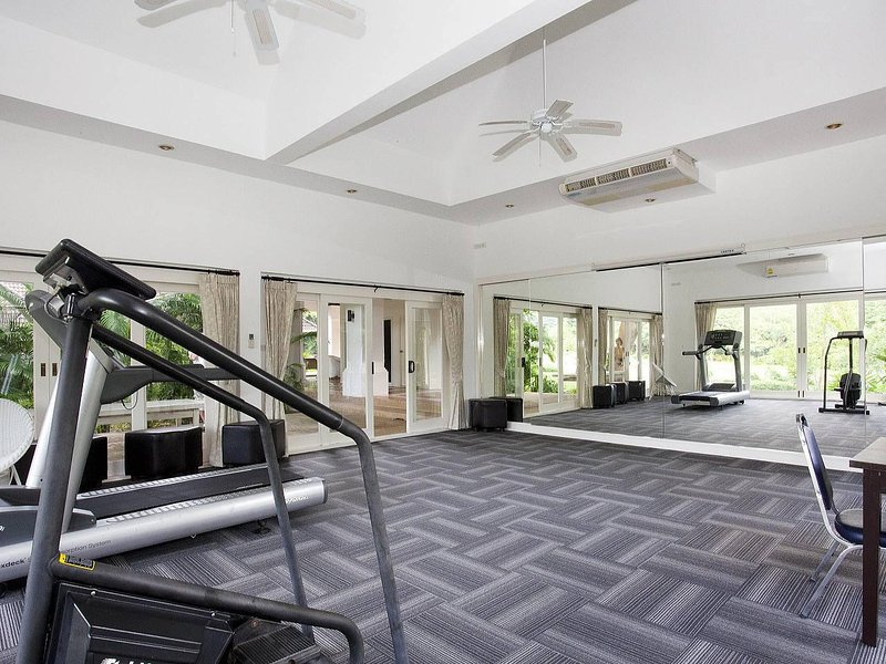 Buraran Suites | Resort privado de 6 camas com piscina grande em Bangsaray Pattaya