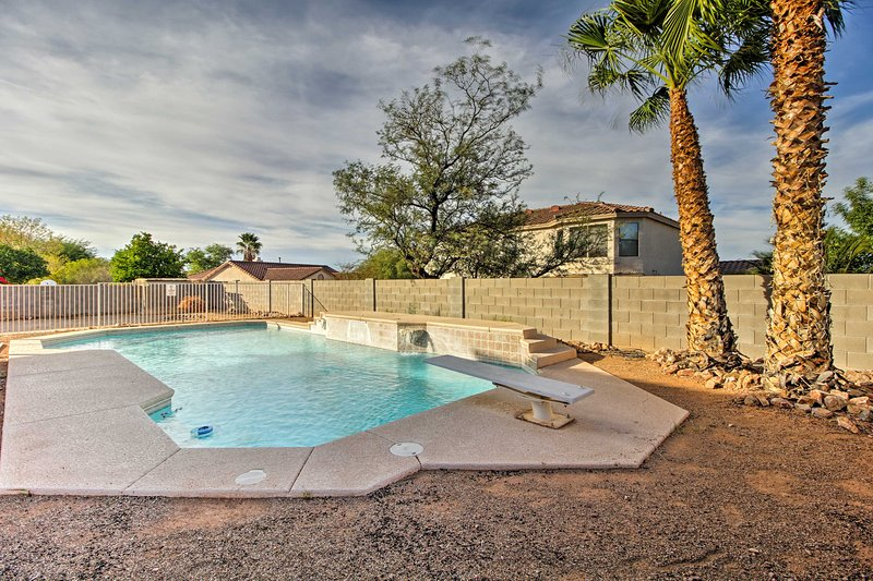 From this home you are ideally located to discover the wonder of Tucson!
