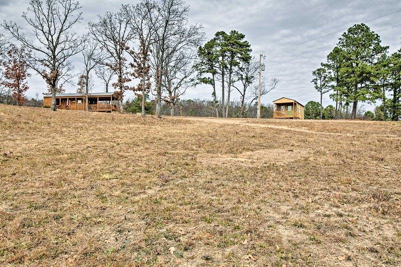 Questa cabina Talihina è la destinazione perfetta per la tua prossima vacanza in Oklahoma!