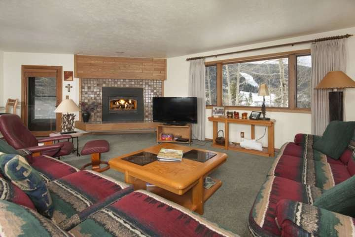 Large Windows Overlooking Slopes From This Spacious Condo Professionally Managed By iTrip Vacations