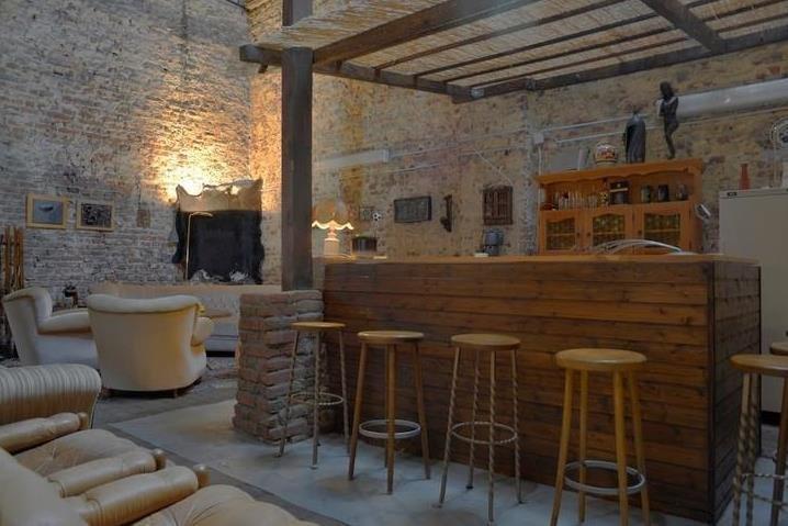 Bar Grange, chauffée en hiver avec 4 chauffe-patio