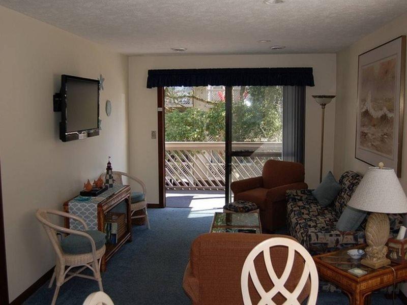 Shipwatch P-201 (2 Bdrm/2 Bath) End Corner Unit 2nd Floor **, holiday rental in Myrtle Beach