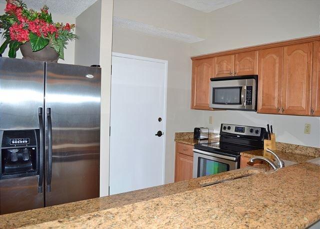 Tides 805 Kitchen