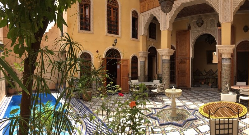 Riad With Pool & 360° View, Ideal Location, Direct Access by Car & Free Parking, Ferienwohnung in Region Fes-Boulemane
