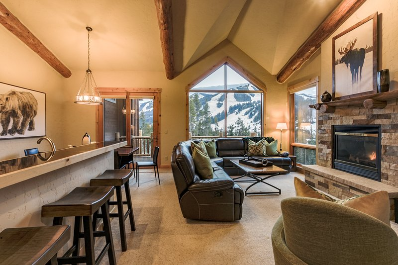 Beautiful mountain modern home