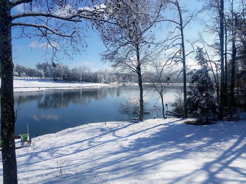 Chalet frente ao lago deslumbrante, com vistas deslumbrantes da montanha e do lago