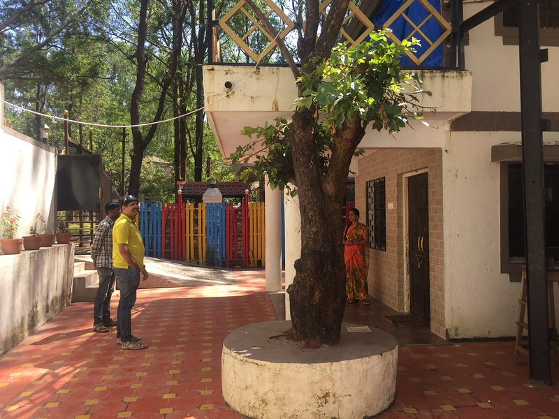 TripThrill Aisha 4BHK Bungalow, holiday rental in Panchgani