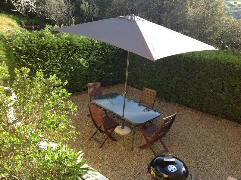 Mini Villa Corte haute Corse possibilité de 5 voyageurs état neuf, jardin, location de vacances à Vénaco