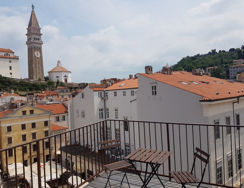 Piran Old Town - House With Terrace - Near Sea, holiday rental in Piran
