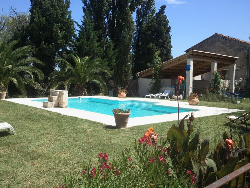 loue chambre d'hote, holiday rental in Rognonas
