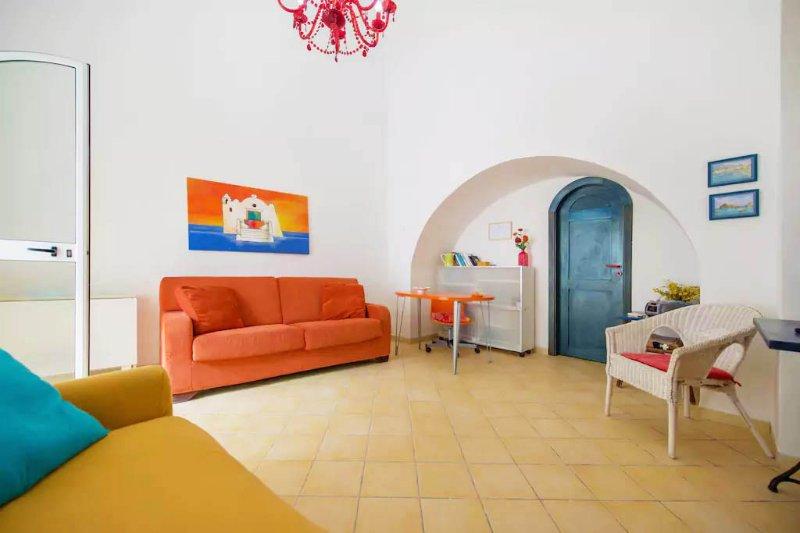 Family Home nel Cuore di Forìo, vacation rental in Forio
