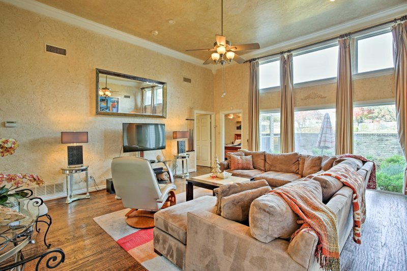 Kick back and relax in the bonus room featuring a flat-screen cable TV.