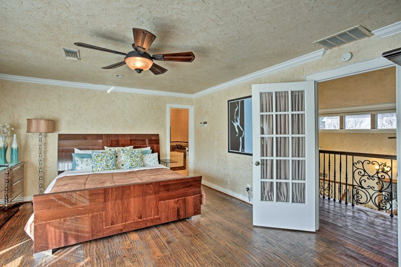 A deep night's sleep awaits 2 guests in this spacious bedroom.