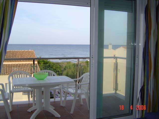 Terrace facing the sea