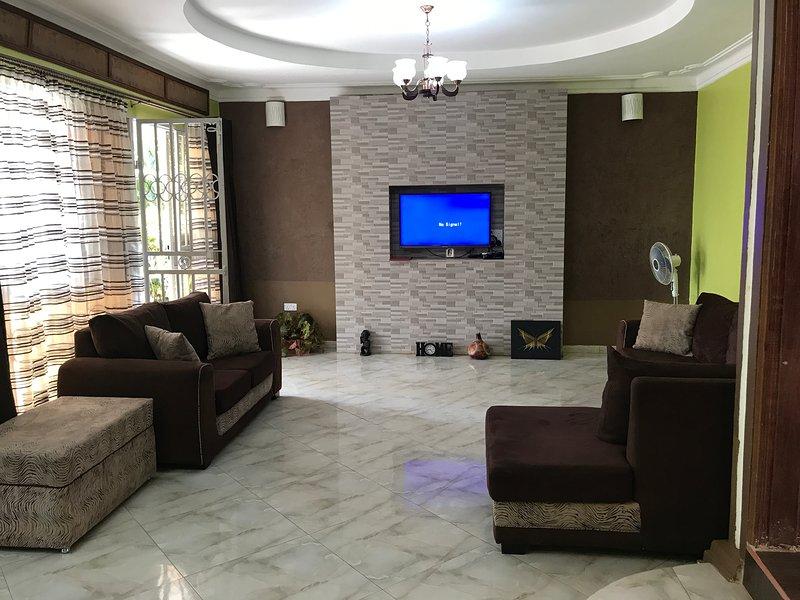 sala de estar espaciosa y limpia