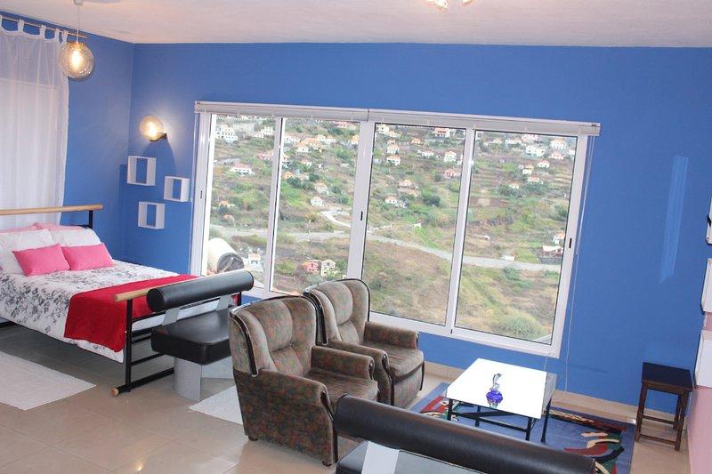Urzi Studio, Funchal, Madeira, holiday rental in Ribeira Brava