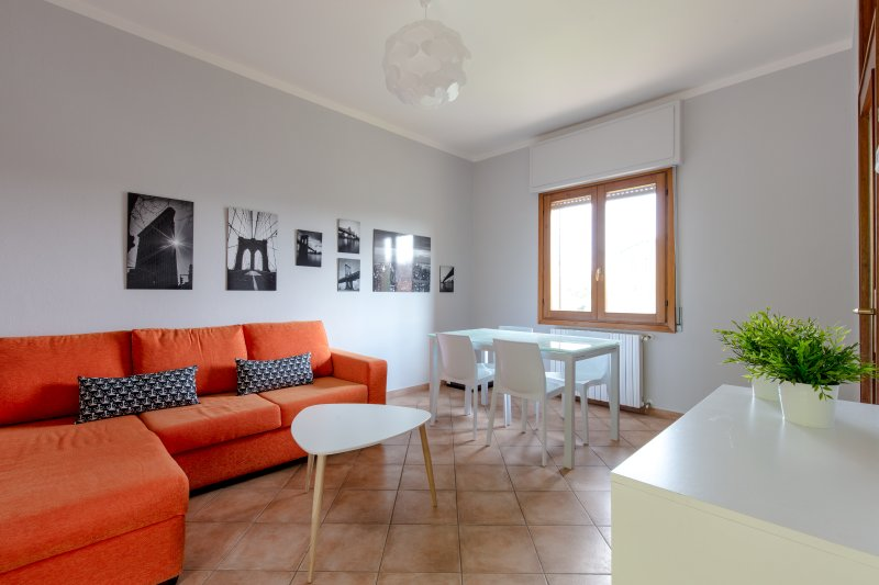 CASA TANY - Detached house with garden - Close to the lake, vacation rental in Prevalle