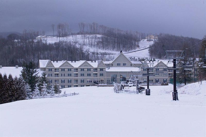 7 night Christmas week Wyndham Bentley Brook 2 bdr condo Slopeside, vacation rental in Petersburg