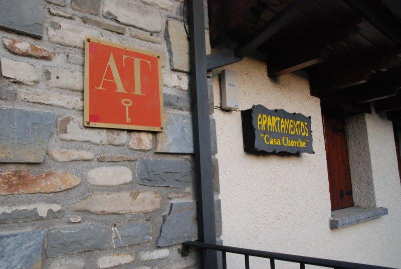 Apartamento en la montaña, Casa Chorche A, holiday rental in Senegue