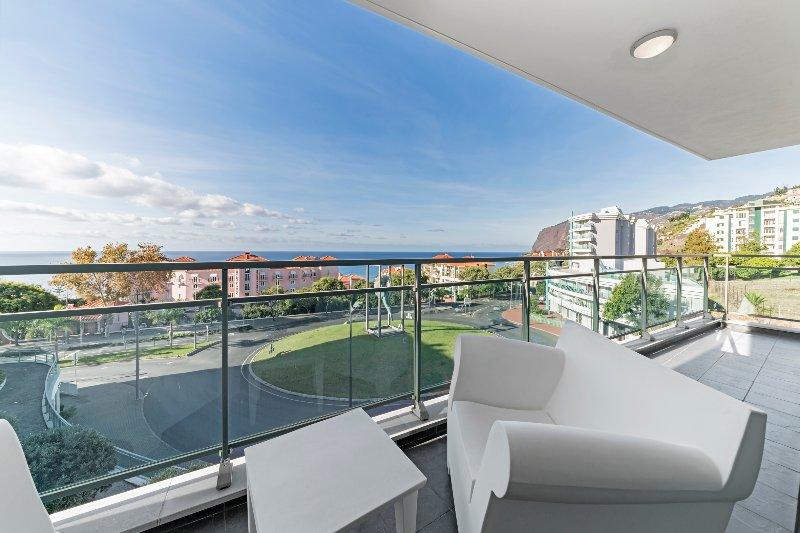 Monumental Apartment - Fantastic Apartment in Funchal, aluguéis de temporada em São Martinho
