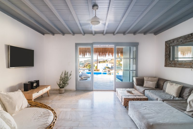 Villa Thea Mykonos-Luxury Villa with Private Pool, Ferienwohnung in Mykonos