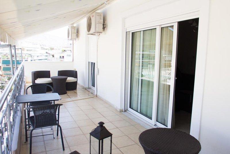 Grey House - 6 οροφος, holiday rental in Dafni