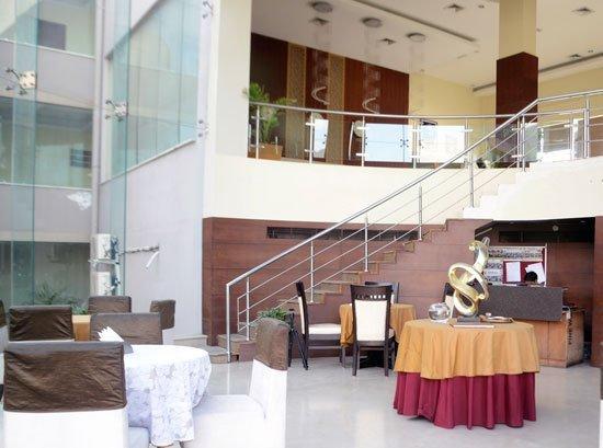 HOTEL HANS RESORT (Executive 9), casa vacanza a Rewari District