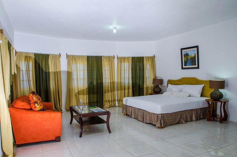 Villa Juanita - 2 Bedroom Suite #1, holiday rental in Buff Bay