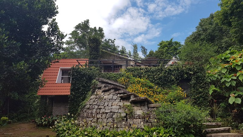 5 Bedroom Farmhouse Ideal for Family Get Together, holiday rental in Aldur
