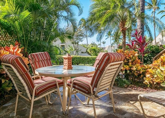 Private Lanai With Chaise Lounge Chair