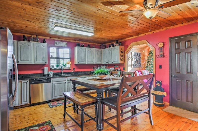 La cocina está totalmente equipada para manejar todas sus necesidades de cocción.
