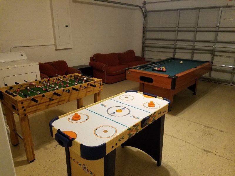 Hampton Lakes Bloomingdale Games Room