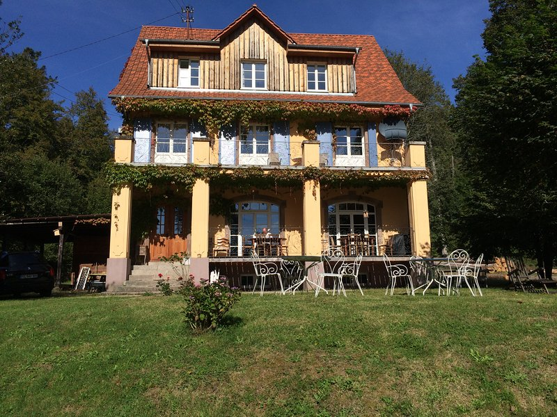 Villa Louisental - Traumvilla am Waldrand in den Vogesen d'Alsace, holiday rental in Schirmeck