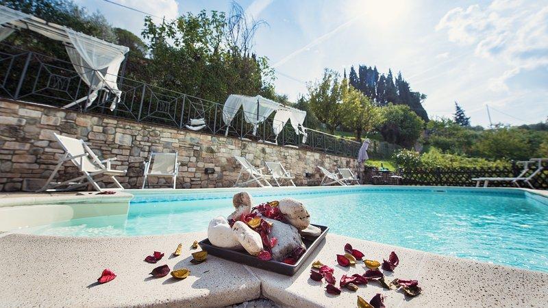 Villa Nuba,salt water pool,jacuzzi,playground,parking,barbecue,herbs garden, Ferienwohnung in Perugia