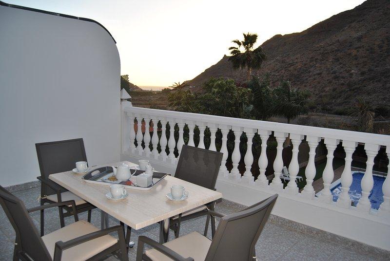 (1ºB) Mogán Sol, preciosos apartamentos con piscina, a 3 Km. de Puerto de Mogán, alquiler de vacaciones en Puerto de Mogán