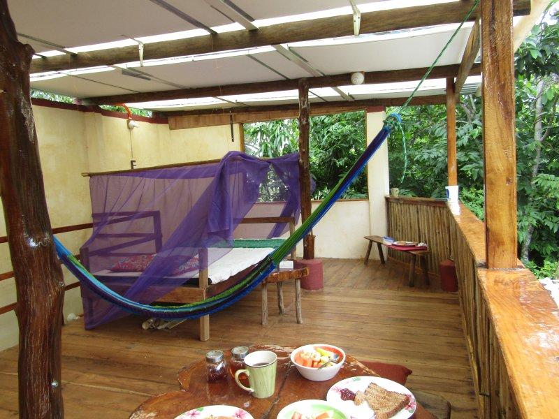 CASA CORTEZA( Eufonia )Inspiring, hidden retreat., alquiler de vacaciones en Catemaco