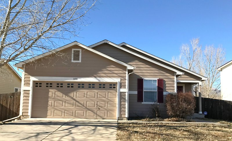 Nice ranch home 3br 2br sleeps 8, holiday rental in Fort Carson