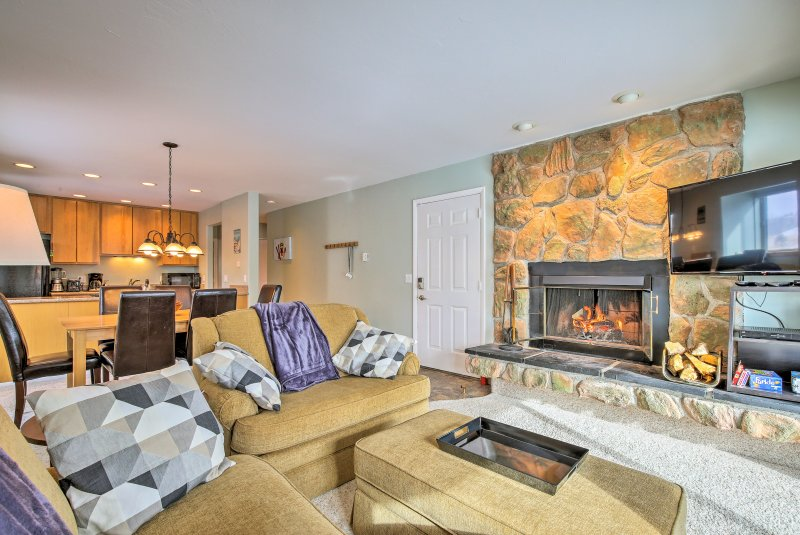 Escape to Winter Park and stay at this 2-bedroom, 2-bath vacation rental condo!