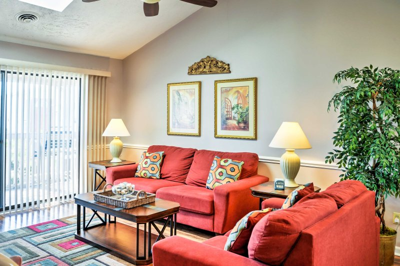Escape to this 2-bedroom, 2-bathroom vacation rental condo in Surfside Beach!