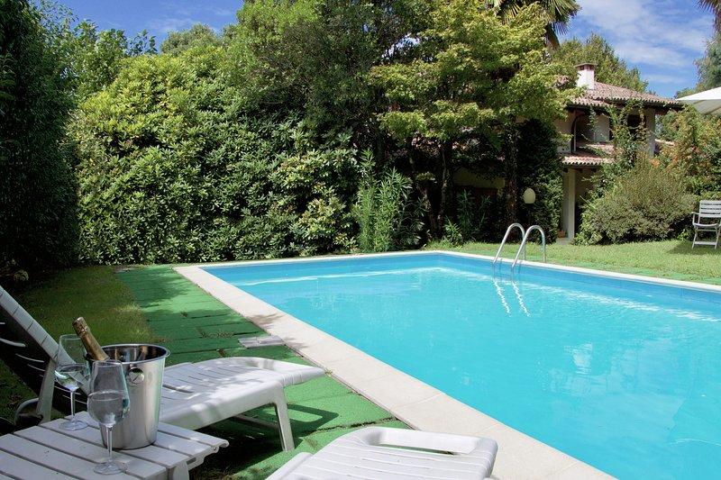Villa Regina, location de vacances à Oleggio Castello
