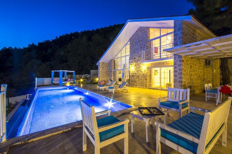 Concebido exclusivamente Villa construída em pedra
