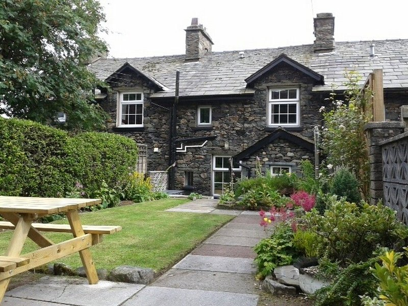 MILLCROFT, characterful cottage, WiFi, Parking, nearby lake, garden, Ref:972632, holiday rental in Dockray