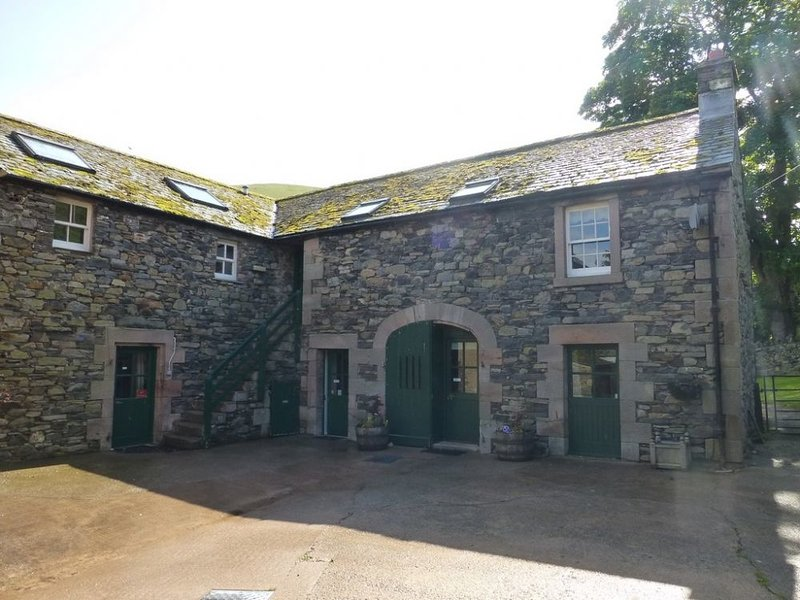 GRANARY COTTAGE, parking, Mosedale, Ref 972589, vacation rental in Troutbeck