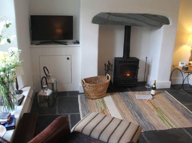 BECK STEPS 1, Stylish contemporary living in Grasmere sleeping 2 people, holiday rental in Grasmere